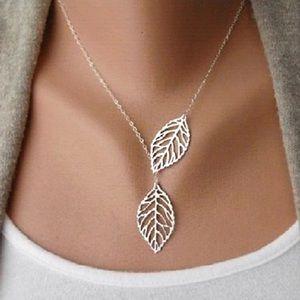 Double Leafs Pendants Choker Chain Necklace